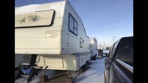 1994 Fleetwood Wilderness 30 Foot Fifth wheel