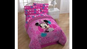 5 Piece Minnie Mouse Full Size Bedding Set