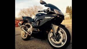 LOW KM WELL MAINTAINED ZZR600 ZX6R MOTIVATED TO SELL.