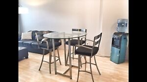 High end table and chairs **Reduced**