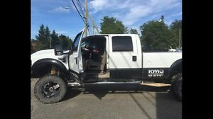 2008 lifted F250 gas. 4x4