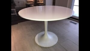 Table ronde blanche - white round table