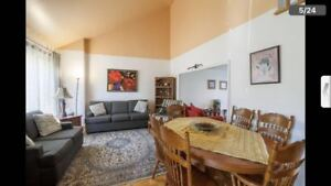 4 Bedroom House in Brossard, Great location close to everything