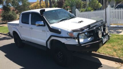 Hilux SR5 dual cab manual turbo diesel  Footscray Maribyrnong Area Preview