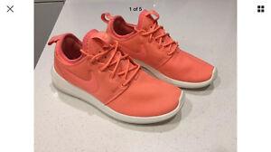 Nike roshe 2. Women's size 6US. Atomic Pink! Ormond Glen Eira Area Preview