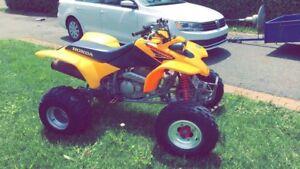 Honda 400ex Jaune    3200$