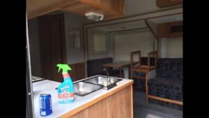 5th wheel 27' Frontier travel/holiday trailer w insulated floor