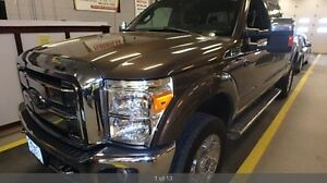 2015 FORD F-250 FX4 LARIAT LEATHER LOADED 27,000km