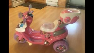 Barbie princess scooter batery operates