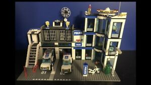 LEGO city police stations