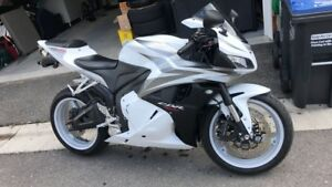 CBR600RR testing waters