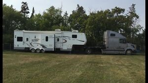 2005 holiday or horse trailer puller