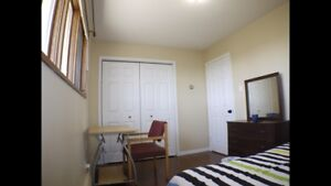 Bedroom close to college for rent
