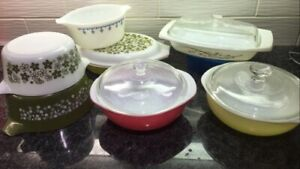 Vintage Pyrex Dishes