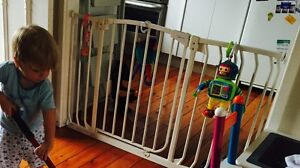 Toddler safety gate with extension Monterey Rockdale Area Preview