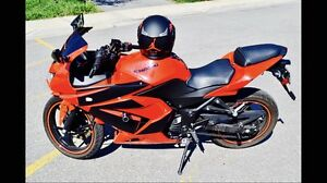 UNIQUE 2010 KAWASAKI NINJA with sound system and lot of extras