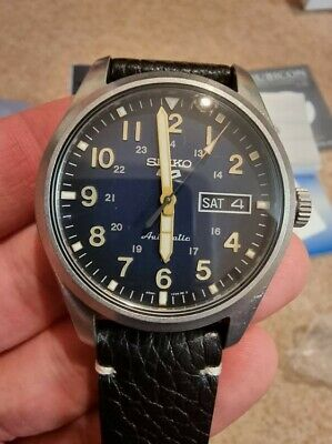 Seiko 5 SRPG39K1 Field Watch. Blue dial, 'worn' finish. Perfect condition! NR!