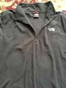 The north Face men's sweater size L