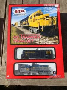 Trainman Set & Grand Valley Track Pad (HO scale)
