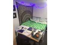 spacious double ensuite room in Headingley available for July!