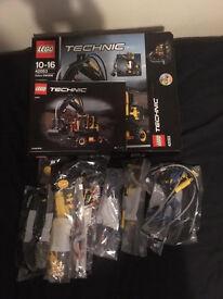 Lego Technic 42053 Volvo EW160E - £45