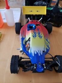 Complete nitro buggy running