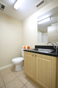 ATTN Students: Large Private Bachelor-Style Rooms! Ensuites! Kitchener / Waterloo Kitchener Area image 5