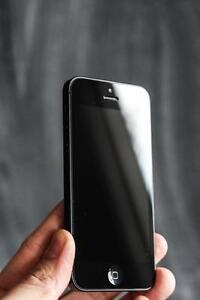 iPhone 5 Unlocked 16 GB. 30 day warranty + lifetime blacklist guarantee – Orchard