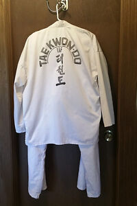 Taekwon-do Dobok Uniform, Size 4