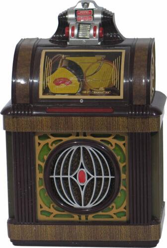 JUKEBOX COLLECTIBLE MINIATURE REPLICA PACKARD MANHATTAN 1947 LIGHTS & PLAYS