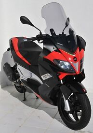 Aprilia SR 125 MAX, practically brand new run in miles, fantastic looking scooter.