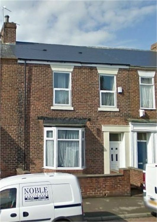 LARGE 5 BEDROOMED HOUSE SITUATED AT CHESTER TERRACE CLOSE TO SUNDERLAND CITY CENTRE