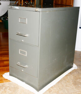 Heavy Metal 2 Drawer File Cabinet