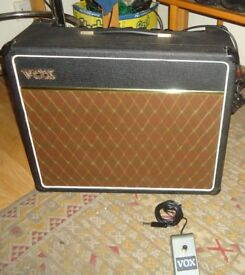 VOX ESCORT 30 - VINTAGE 1970's COMBO AMPLIFIER - With Footswitch