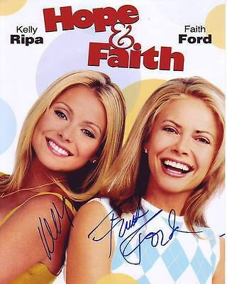 Kelly Ripa   Faith Ford Signed Photo W  Hologram Coa