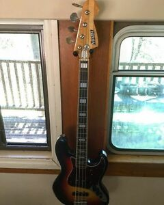 Bass Guitar Keiraville Wollongong Area Preview