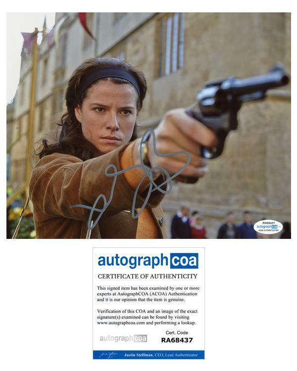 "Jessie Buckley ""Endeavour"" AUTOGRAPH Signed 8x10 Photo ACOA"