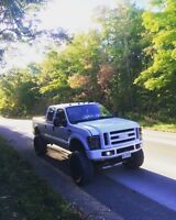 Ford F-250 7.3L Powerstroke Lariat Edition