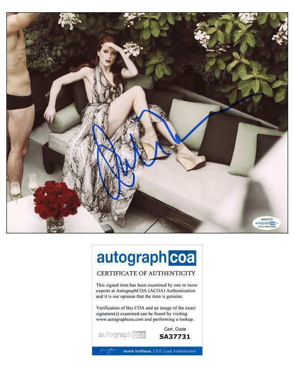 "Julianne Moore ""Magnolia"" AUTOGRAPH Signed 8x10 Photo B ACOA"