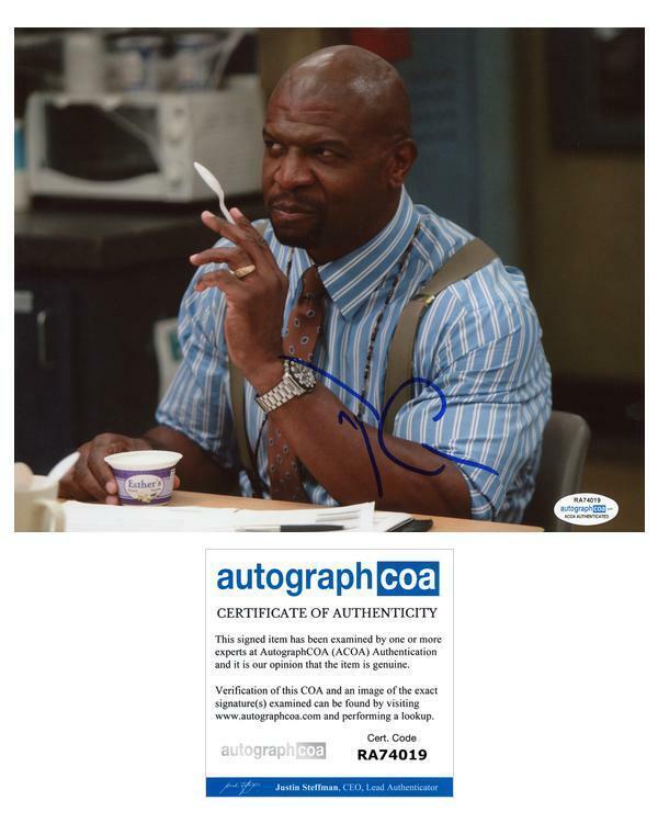 "Terry Crews ""Brooklyn Nine-Nine"" AUTOGRAPH Signed 8x10 Photo B ACOA"