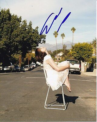 Elisabeth Moss Signed Photo W  Hologram Coa