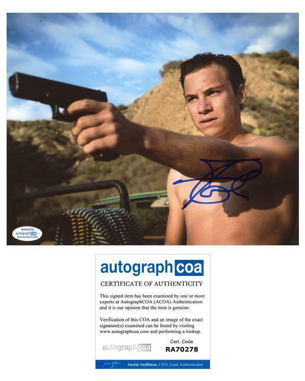 "Finn Cole ""Animal Kingdom"" AUTOGRAPH Signed 8x10 Photo ACOA"