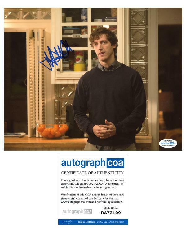 "Thomas Middleditch ""Silicon Valley"" AUTOGRAPH Signed 8x10 Photo E ACOA"