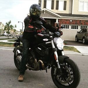 Brand New, Barely used Ducati Monster 821