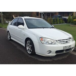2005 Kia Cerato Ex Sedan MY06 'Platinum Edition' (Manual) Lemon Tree Passage Port Stephens Area Preview