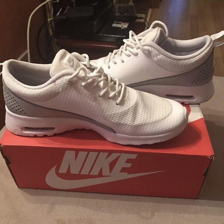 Nike Air Max Thea Size 5.5 White