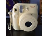 Polaroid Camera - Instax Mini 8