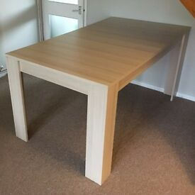 Lanza Kitchen dining 4 to 6 seat extending table oak