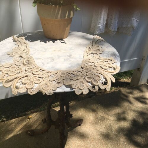 """Antique lace collar """"U"""" shaped and quit large"""