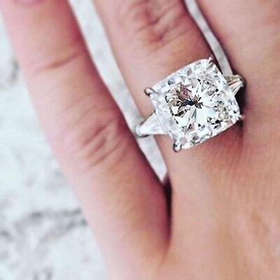 2.60 Ct Cushion Cut w/ Baguette 3-Stone Diamond Engagement Ring J VS2 GIA 18k